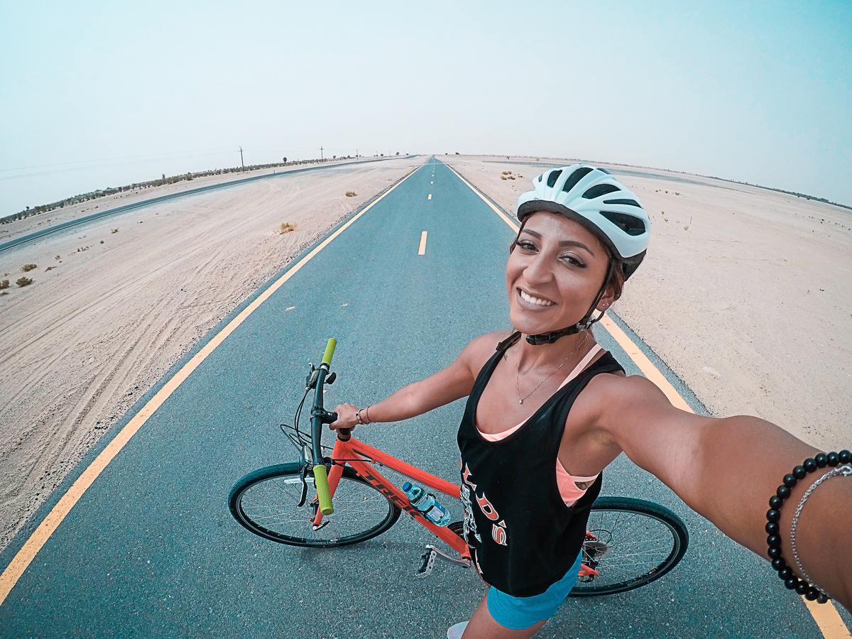 Montar en bicicleta es beneficioso para las personas con fibromialgia.