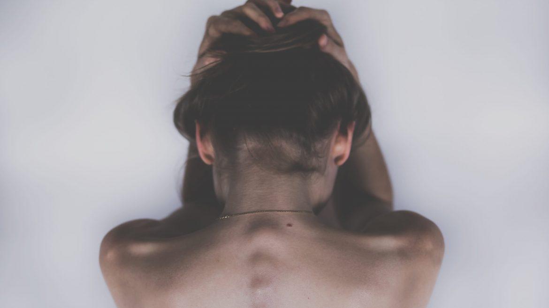 El dolor crónico y generalizado es el principal síntoma de la fibromialgia.