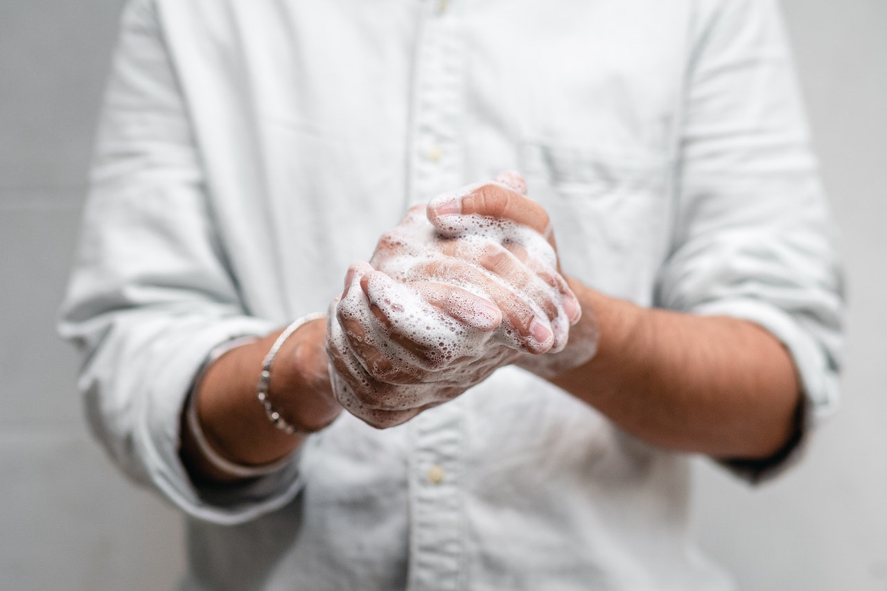 Las personas con TOC se lavan las manos aunque acaben de hacerlo hace unos minutos.