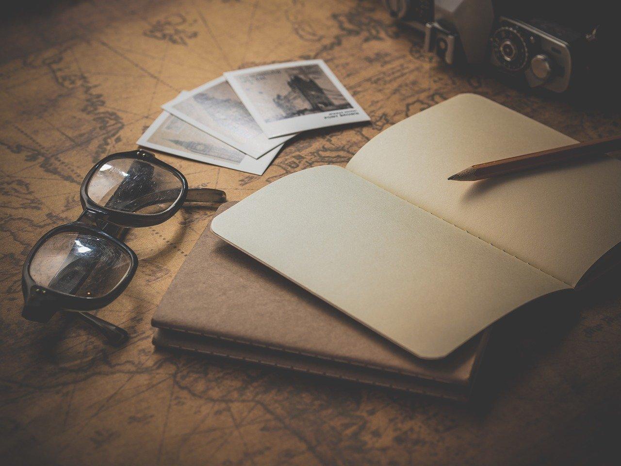 Al escribir se canalizan las emociones y se ordenan los pensamientos.