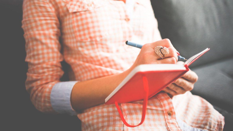 Escribir un diario personal tiene numerosos beneficios.