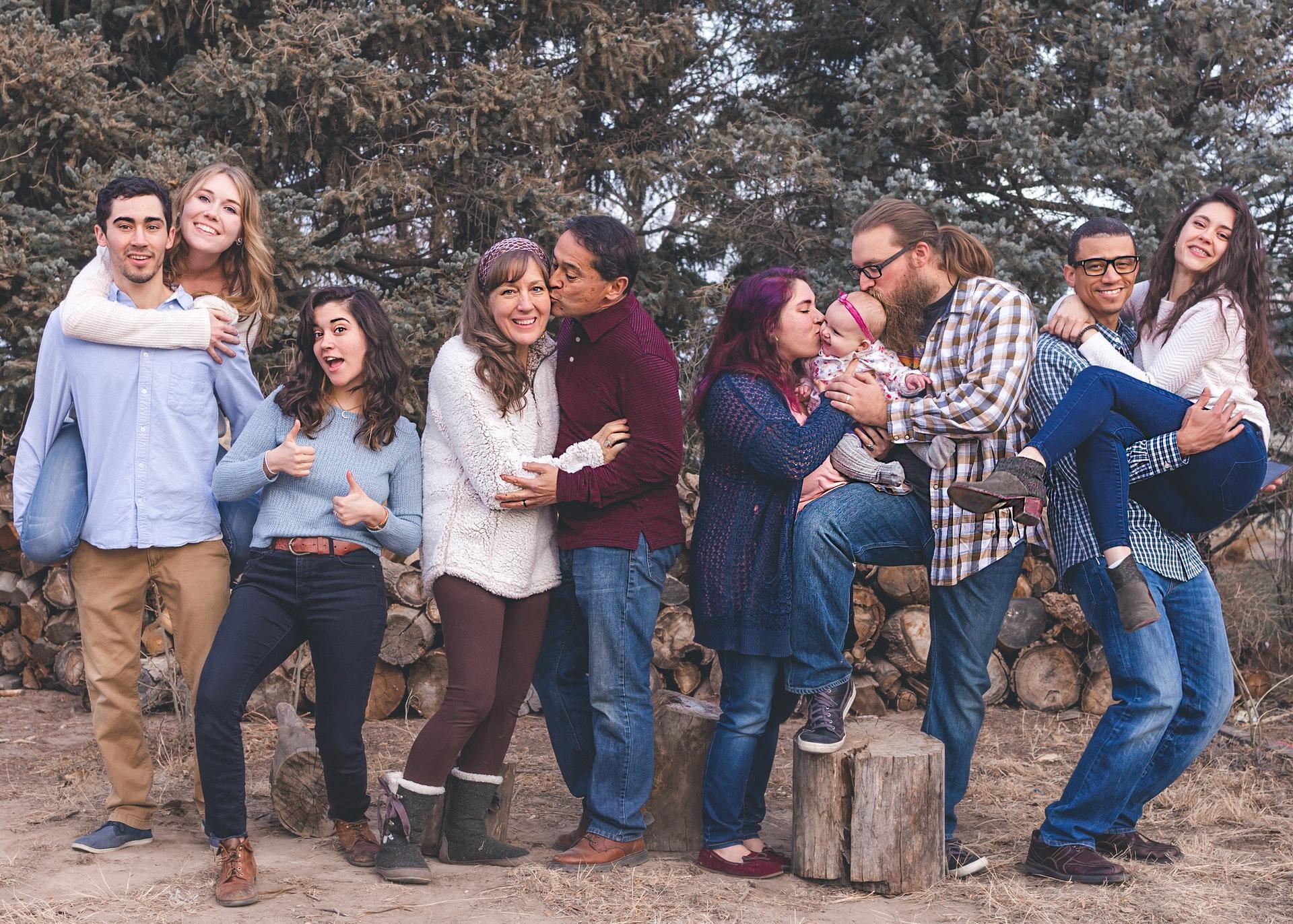 En las familias aglutinadas se da prioridad al bien del grupo sobre las necesidades individuales.