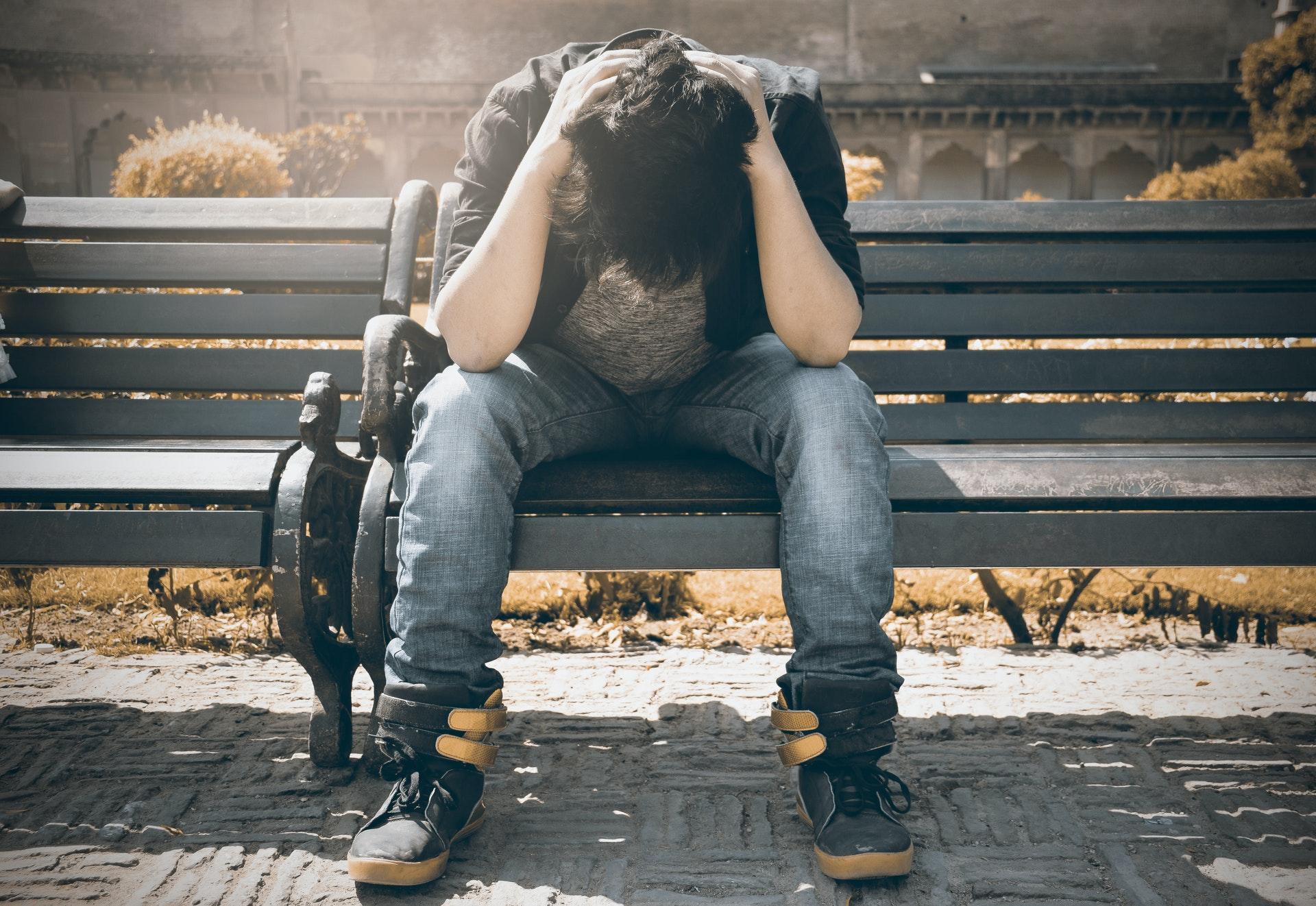 Quedarse atrapado en la culpa es una de las características del duelo complicado.